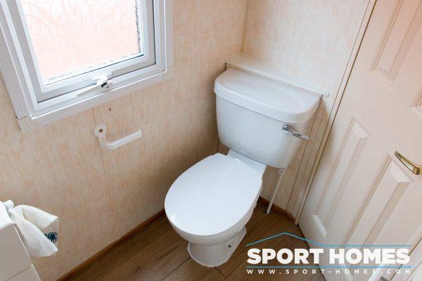 W.C. del baño de la mobil home Willerby Westmorland 2CH