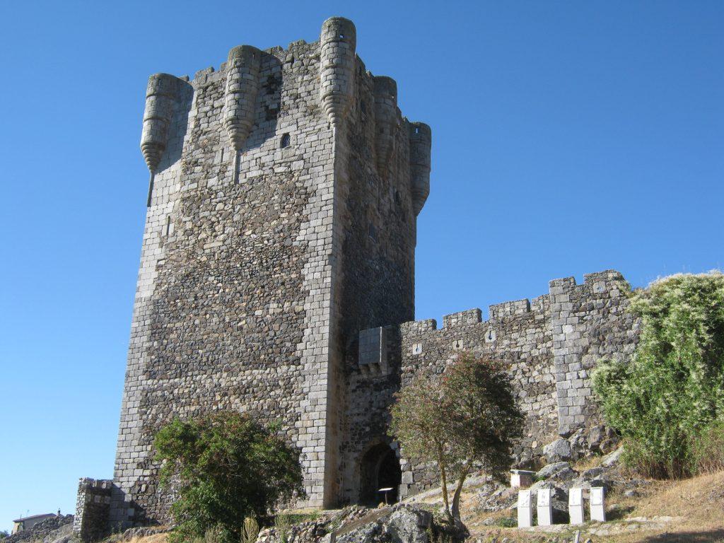 casas prefabricadas castilla y Leon, castillo de Monleón